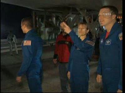 [STS-130] Endeavour : retour sur terre 3h20 GMT le 22/02/201 - Page 8 Vlcsn291