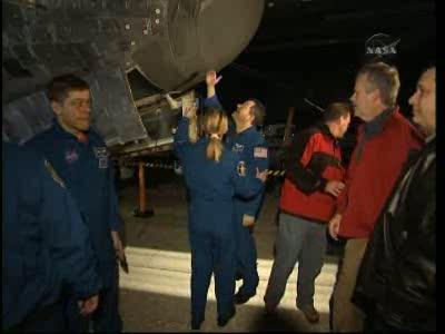 [STS-130] Endeavour : retour sur terre 3h20 GMT le 22/02/201 - Page 8 Vlcsn293