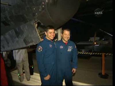 [STS-130] Endeavour : retour sur terre 3h20 GMT le 22/02/201 - Page 8 Vlcsn295