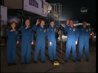 [STS-130] Endeavour : retour sur terre 3h20 GMT le 22/02/201 - Page 8 Vlcsn298
