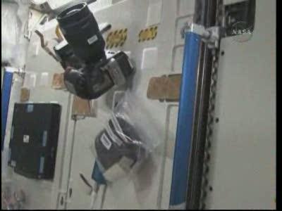 Vidéo : visite de la station spatiale - Page 2 Vlcsn313