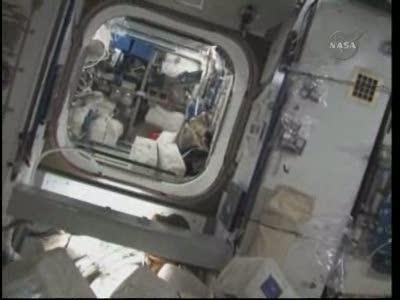 Vidéo : visite de la station spatiale - Page 2 Vlcsn316