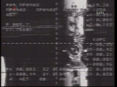 ISS : Amarrage de Soyouz TMA-18 le 4 avril 2010 Vlcsn417