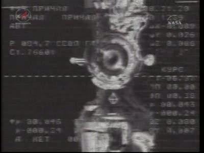 ISS : Amarrage de Soyouz TMA-18 le 4 avril 2010 Vlcsn420
