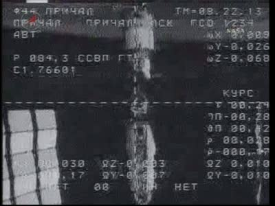 ISS : Amarrage de Soyouz TMA-18 le 4 avril 2010 Vlcsn422