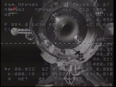 ISS : Amarrage de Soyouz TMA-18 le 4 avril 2010 Vlcsn423