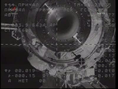 ISS : Amarrage de Soyouz TMA-18 le 4 avril 2010 Vlcsn427