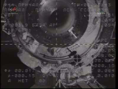 ISS : Amarrage de Soyouz TMA-18 le 4 avril 2010 Vlcsn429