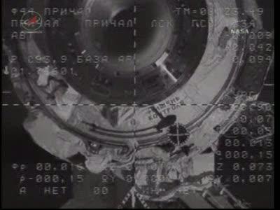ISS : Amarrage de Soyouz TMA-18 le 4 avril 2010 Vlcsn430