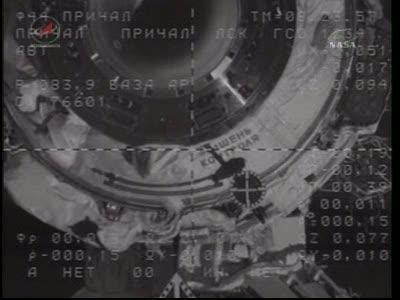ISS : Amarrage de Soyouz TMA-18 le 4 avril 2010 Vlcsn432
