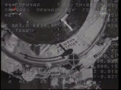 ISS : Amarrage de Soyouz TMA-18 le 4 avril 2010 Vlcsn434