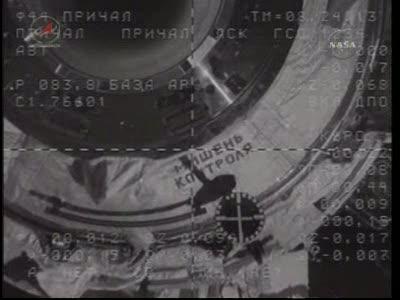 ISS : Amarrage de Soyouz TMA-18 le 4 avril 2010 Vlcsn436