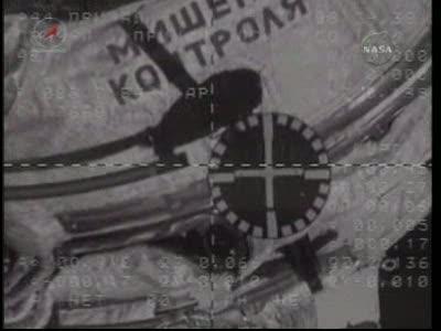 ISS : Amarrage de Soyouz TMA-18 le 4 avril 2010 Vlcsn442