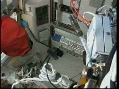 [STS-131 / ISS19A] Discovery : EVA 2 Anderson & Mastracchio Vlcsn522