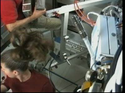 [STS-131 / ISS19A] Discovery : EVA 2 Anderson & Mastracchio Vlcsn524