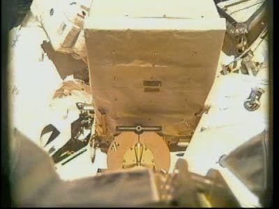 [STS-131 / ISS19A] Discovery : EVA 2 Anderson & Mastracchio Vlcsn527