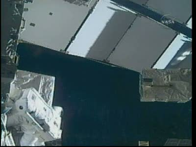 [STS-131 / ISS19A] Discovery : EVA 2 Anderson & Mastracchio Vlcsn528
