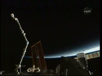 [STS-131 / ISS19A] Discovery : déroulement de la mission - Page 23 Vlcsn614