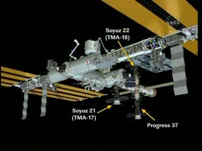 [Expédition 23] Transfert de Soyouz TMA-17 de Zaria à Zvezda Vlcsn655