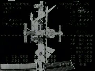 [Expédition 23] Transfert de Soyouz TMA-17 de Zaria à Zvezda Vlcsn660