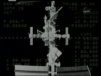 [Expédition 23] Transfert de Soyouz TMA-17 de Zaria à Zvezda Vlcsn661