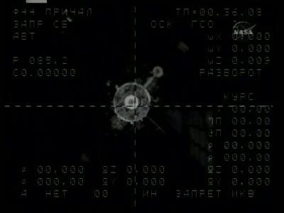 [Expédition 23] Transfert de Soyouz TMA-17 de Zaria à Zvezda Vlcsn665