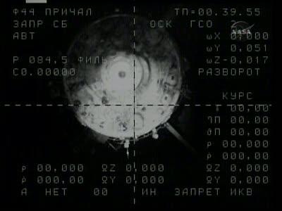 [Expédition 23] Transfert de Soyouz TMA-17 de Zaria à Zvezda Vlcsn666