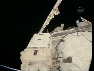 [STS-130] Endeavour : fil dédié au suivi de l'EVA#2 Behnken and Patrick - Page 2 Vlcsna74