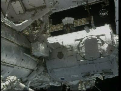 [STS-130] Endeavour : fil dédié au suivi de l'EVA#2 Behnken and Patrick - Page 2 Vlcsna81