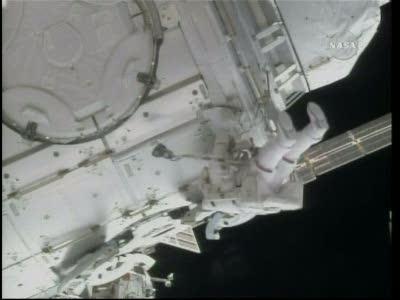 [STS-130] Endeavour : fil dédié au suivi de l'EVA#2 Behnken and Patrick - Page 2 Vlcsna82
