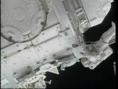 [STS-130] Endeavour : fil dédié au suivi de l'EVA#2 Behnken and Patrick - Page 2 Vlcsna83