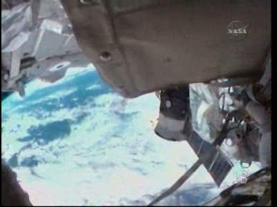 [STS-130] Endeavour : fil dédié au suivi de l'EVA#2 Behnken and Patrick - Page 2 Vlcsna84