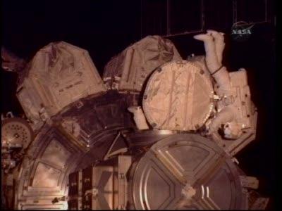 [STS-130] Endeavour : fil dédié au suivi de l'EVA#2 Behnken and Patrick - Page 2 Vlcsna88
