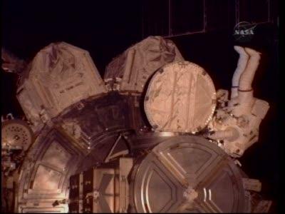 [STS-130] Endeavour : fil dédié au suivi de l'EVA#2 Behnken and Patrick - Page 2 Vlcsna89