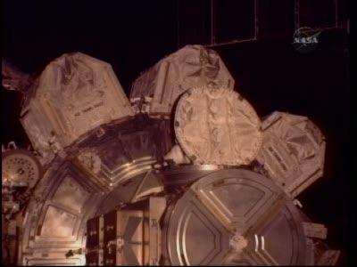[STS-130] Endeavour : fil dédié au suivi de l'EVA#2 Behnken and Patrick - Page 2 Vlcsna93