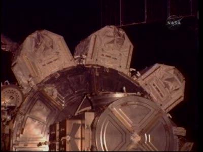 [STS-130] Endeavour : fil dédié au suivi de l'EVA#2 Behnken and Patrick - Page 2 Vlcsna95