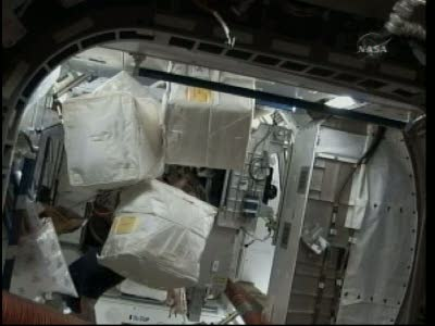 [STS-130] Endeavour : fil dédié au suivi de l'EVA#2 Behnken and Patrick - Page 2 Vlcsna98