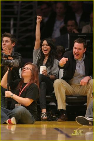 Zac Efron and Vanessa Hudgens: Lakers Lovers 138