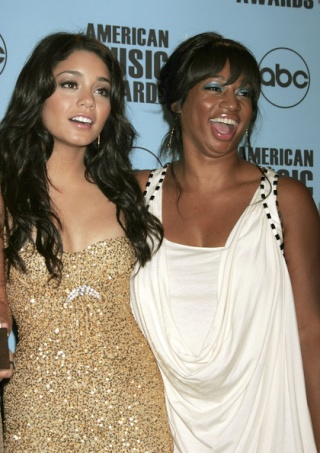 2007 American Music Awards - Show - Page 4 2910