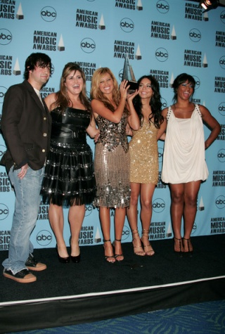 2007 American Music Awards - Show - Page 4 3211