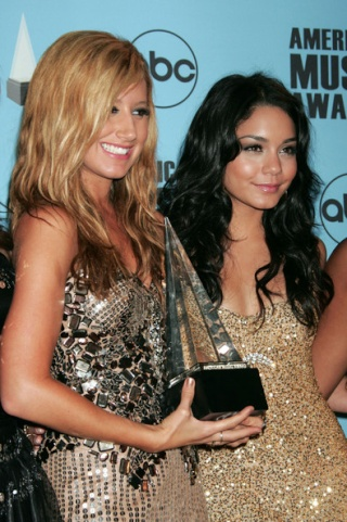 2007 American Music Awards - Show - Page 4 3711