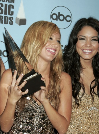 2007 American Music Awards - Show - Page 4 4011