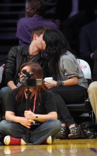 Zac Efron and Vanessa Hudgens: Lakers Lovers 436