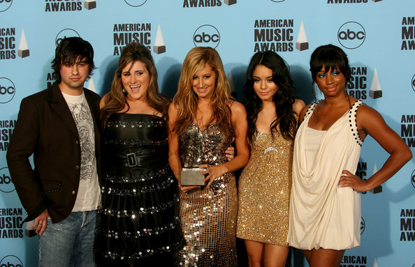 2007 American Music Awards - Show - Page 4 4810