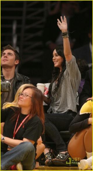 Zac Efron and Vanessa Hudgens: Lakers Lovers 536