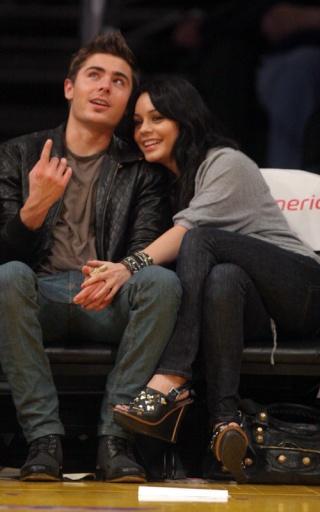 Zac Efron and Vanessa Hudgens: Lakers Lovers 730