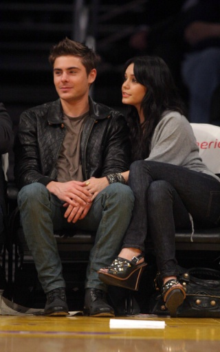 Zac Efron and Vanessa Hudgens: Lakers Lovers 822