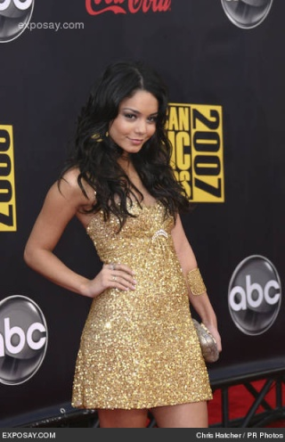 2007 American Music Awards - Show Vaness18