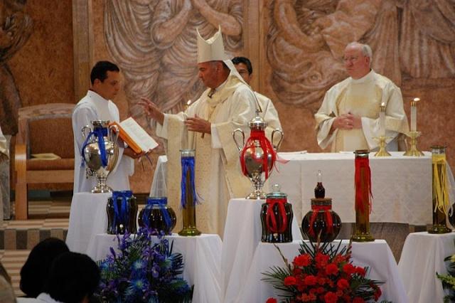 TEJ YAM TSEEM CEEB NYOB HAUV TSEV TEEV NTUJ ROMAN CATHOLIC  Dsc_0210