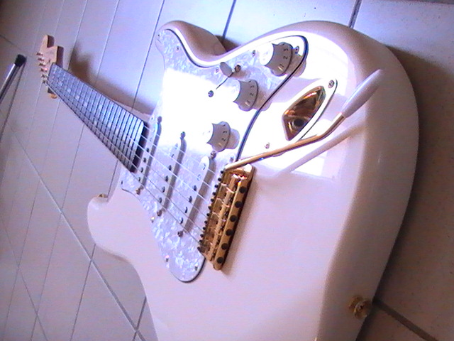 Vends Fender Delux Player Stratocaster Pic_0414